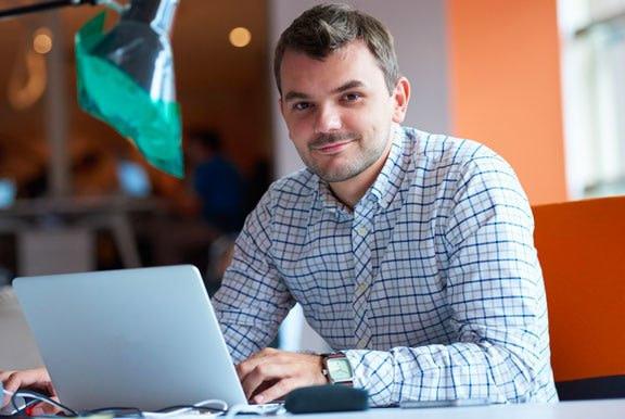 Créer son business en ligne en étant salarié